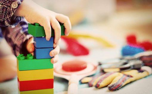 Отрицатель коронавируса заразила детский сад в Раанане