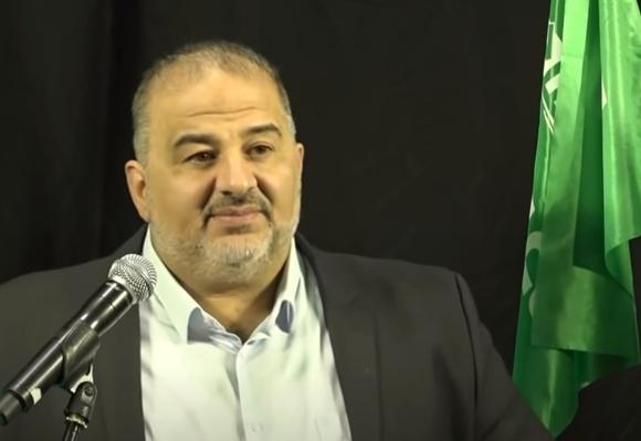 Чем еще задобрить Аббаса: компромисс по закону о гражданстве