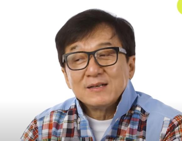 Джеки Чан решил вступить в Компартию Китая
