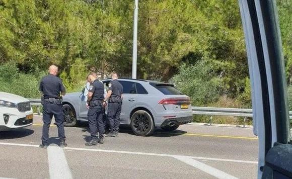 Наезд авто на полицейских: ведется розыск других причастных к происшествию